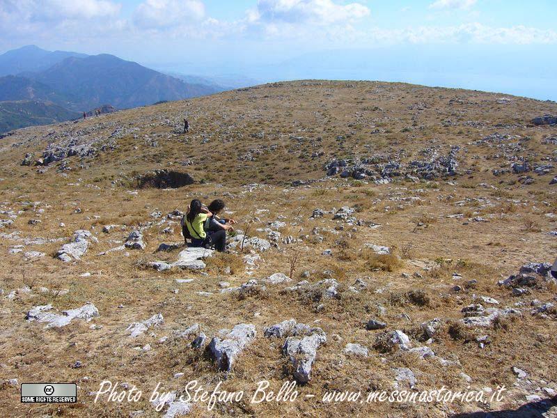 un'altra veduta della vetta di Monte Scuderi