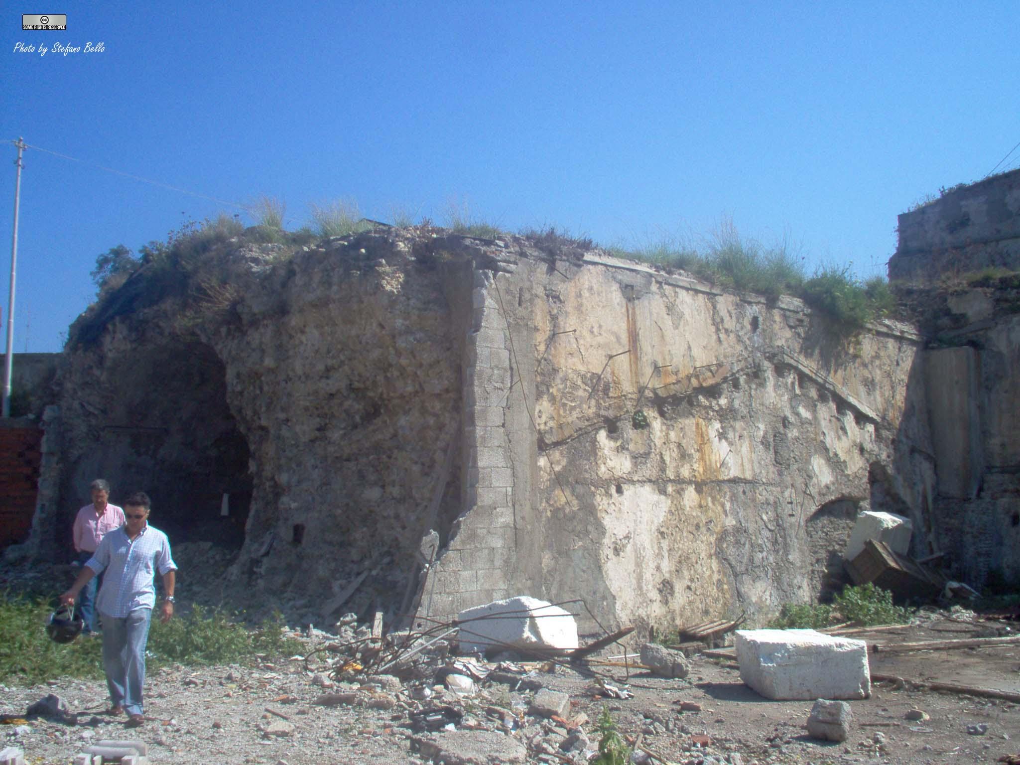 (n.8a) sezione del muraglione